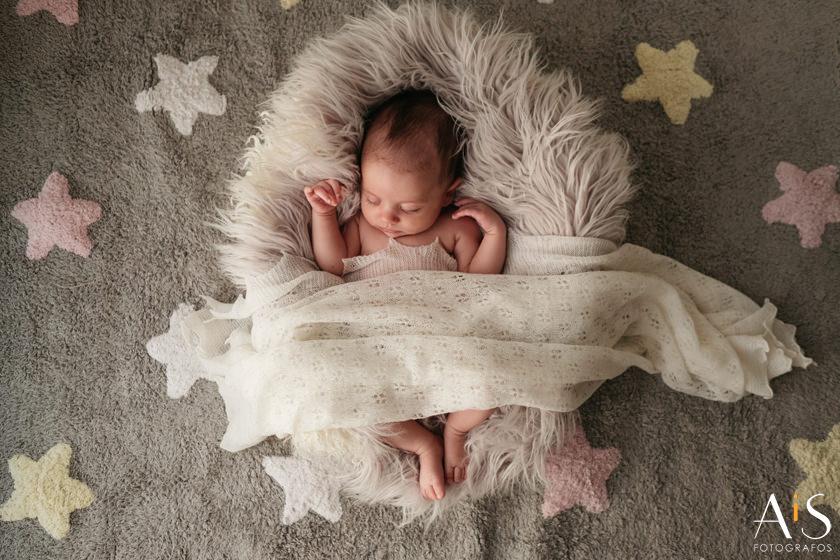 Newborn, Leire