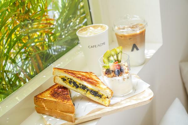 CAFE ACME
