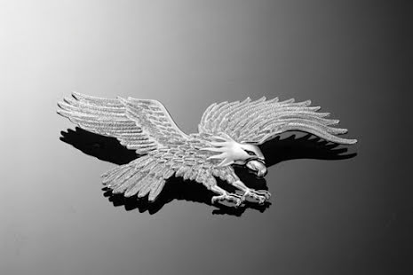 HIGHWAY HAWK Eagle with flapping wings, chrome, size L