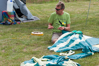 Photo: Traditiegetrouw wordt er door Victor gevliegerd, ook nu hij campingvader is.