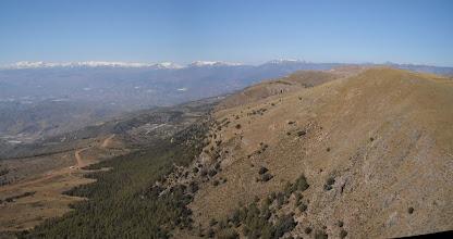Photo: Castala (Almería) 26 feb. Sierra de Gádor desde el sur, la ladera de vuelo está a la izquierda.