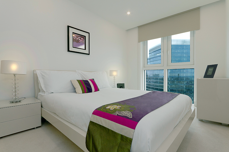 Master bedroom at Altitude by Q Apartments
