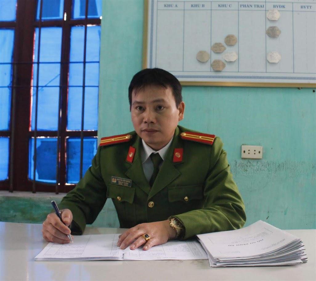 Thiếu tá Nguyễn Văn Nghĩa, Bệnh xá trưởng Bệnh xá                         Trại Tạm giam Công an tỉnh Nghệ An chia sẻ với phóng viên
