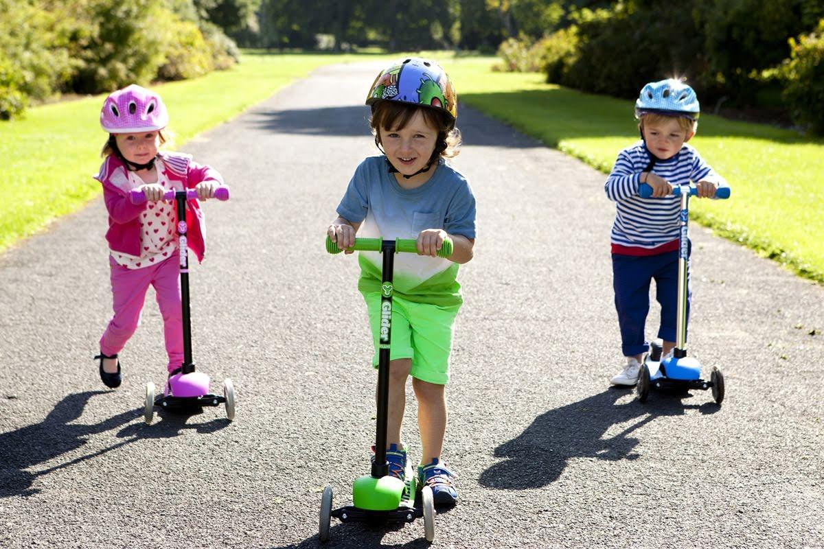 Bé chơi với xe trượt scooter có an toàn không 2