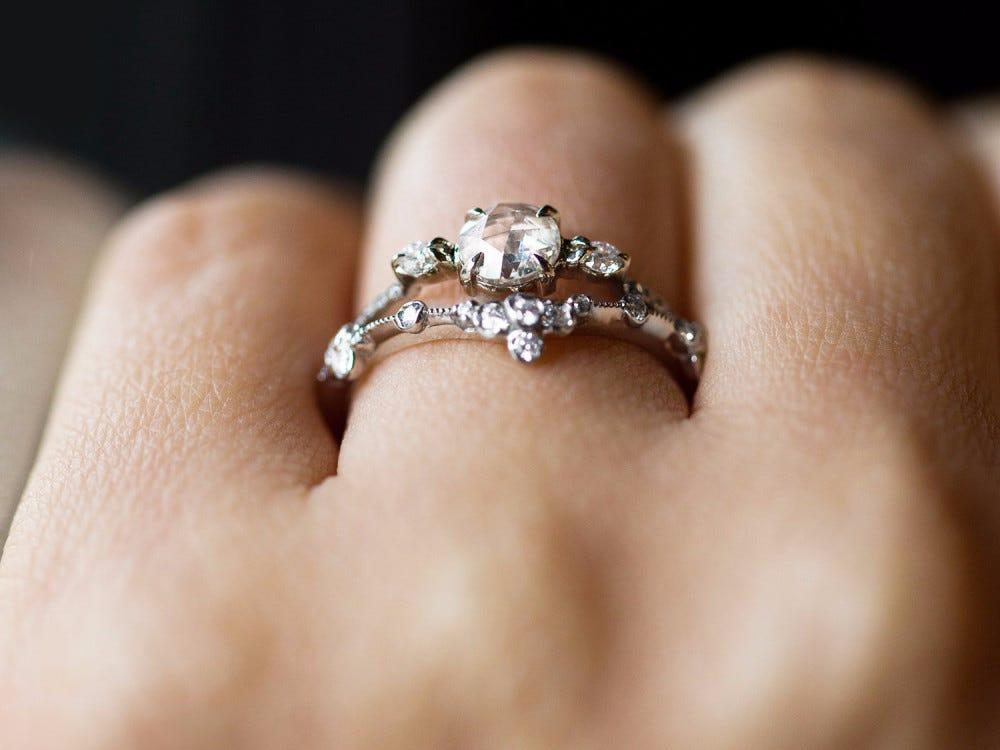 A jewelry expert shares everything you need to know before buying an engagement  ring