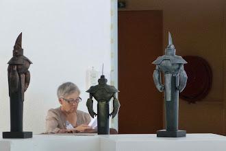 Photo: Statuettes du Prix Rosny et du prix Cyrano