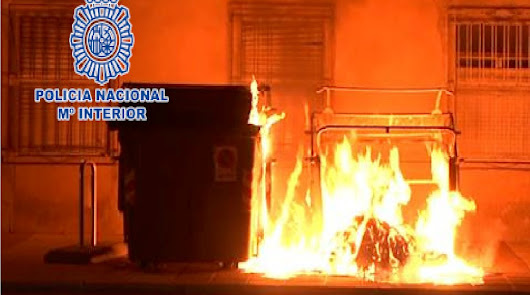 Detenido un hombre por quemar un contenedor en la calle Calzada de Castro
