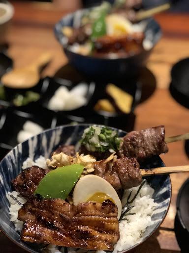 讓人難以咀嚼吞嚥的牛肉串,配上好小一片的鰻魚飯,一人份$412,謝謝再聯絡👎🏻