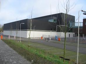 Photo: Voorgevel gezien vanaf de Commandobaan en Rijksweg.