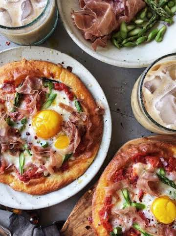 Keto Breakfast Pizza with Burrata, Prosciutto and Asparagus