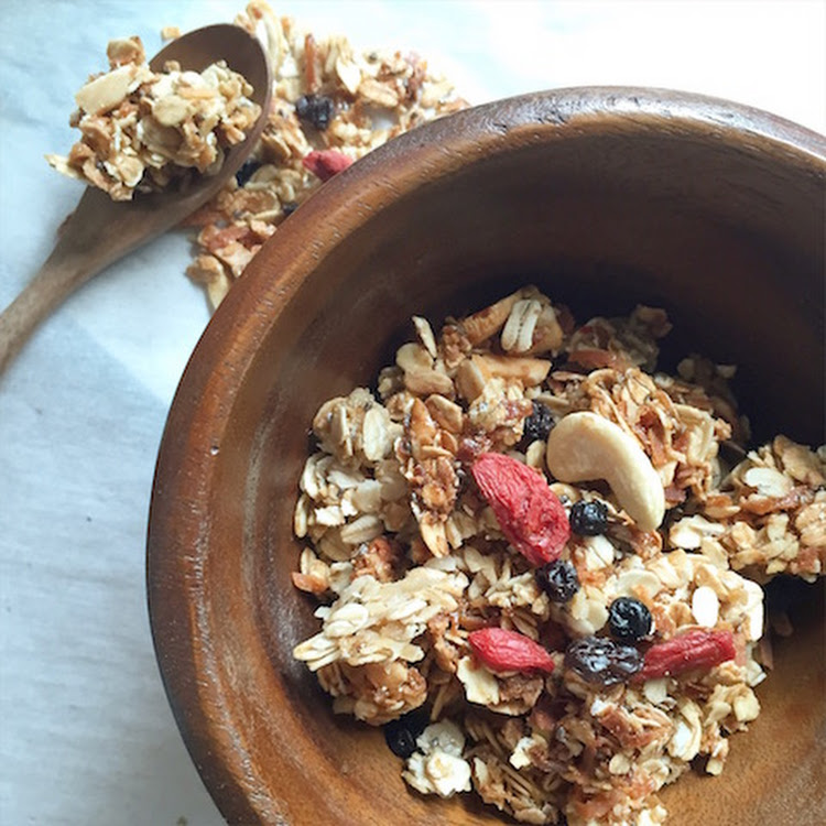 Blueberry Goji Coconut Granola (250g)