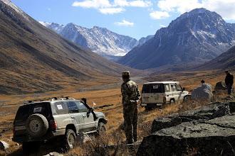 Photo: Командир монгольской пограничной заставы лично сопровождал нас в этот дальний уголок ломанных линий границ.