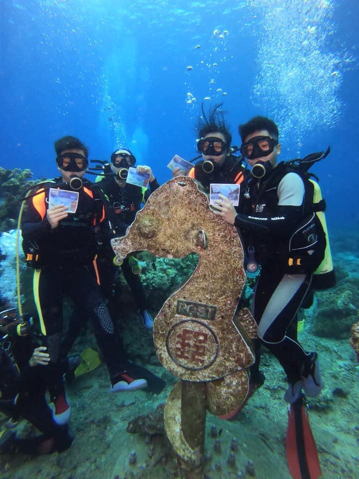 綠島潛水看豆丁馬海底郵筒
