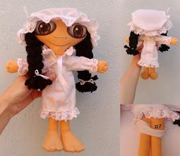 Photo: Boneca leda #7 Muñeca de fieltro cosida enteramente a mano, pelo de lana, cara pintada con pintura de tela. Numeradas y con certificado de adopción, no hay dos iguales. Semi personalizable.
