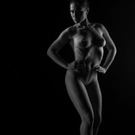 nudeart by Reto Heiz - Nudes & Boudoir Artistic Nude ( studio, monochrome, nude, nudephotography, nudeart, female nude, lowkey )
