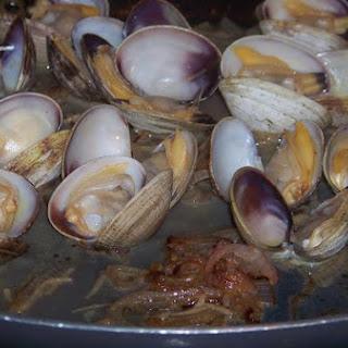 Garlicky Good Clams