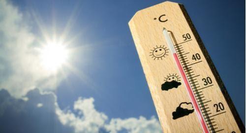 Un thermomètre à 45 degrés Celsius