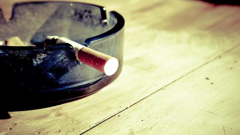 Fumar delante de sus hijos ha llevado a un hombre a perder su custodia.