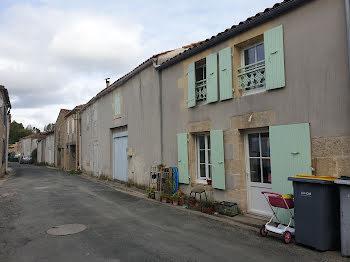 propriété à La Grève-sur-Mignon (17)