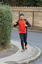 Photo: Tony på vej i mål i sit marathon nr. 100