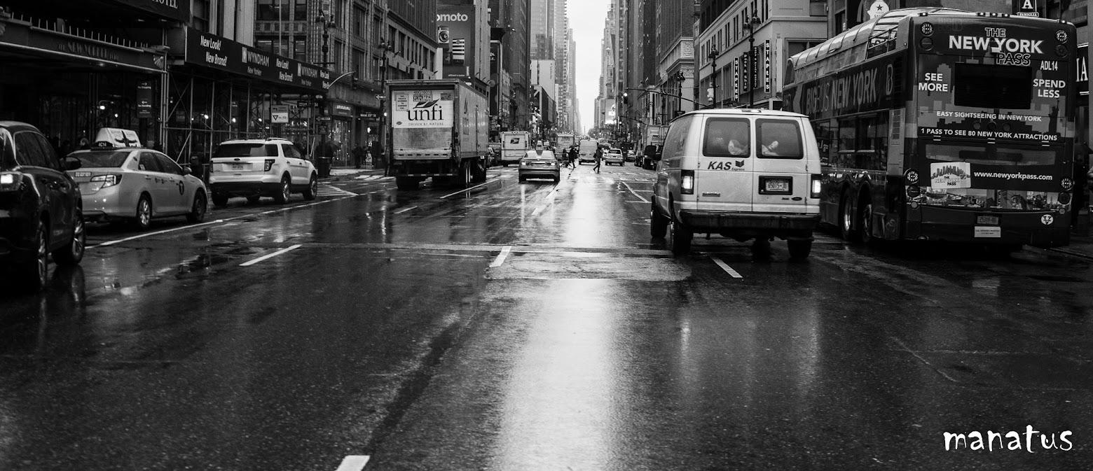 calles de nueva york con lluvia