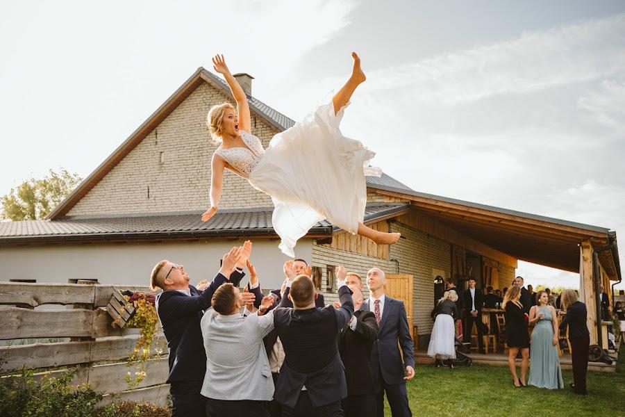 Wedding photographer Piotr Dynarski (PiotrDynarski). Photo of 24.11.2019
