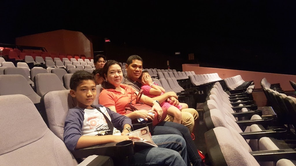DE OCAMPOS (PARTLY AT THE BACK) AND THE SANJUANS FAMILY HAVING ONE OF THE BEST SEATS INSIDE ONSTAGE THEATER