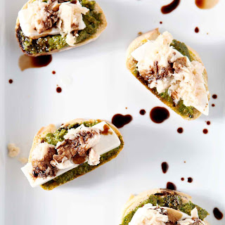 Tuna Pesto Crostini.
