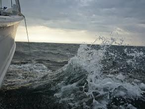 Photo: 「ザバーン!」 ・・・波がだんだん高く!