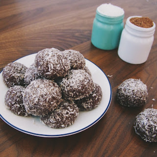 Raw Cacao Bliss Balls With Macadamias, Coconut And Honey