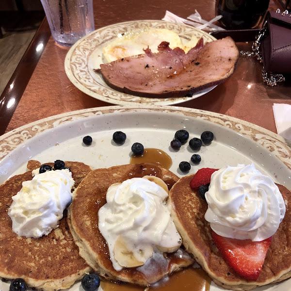 GF pancake flight! Yum!