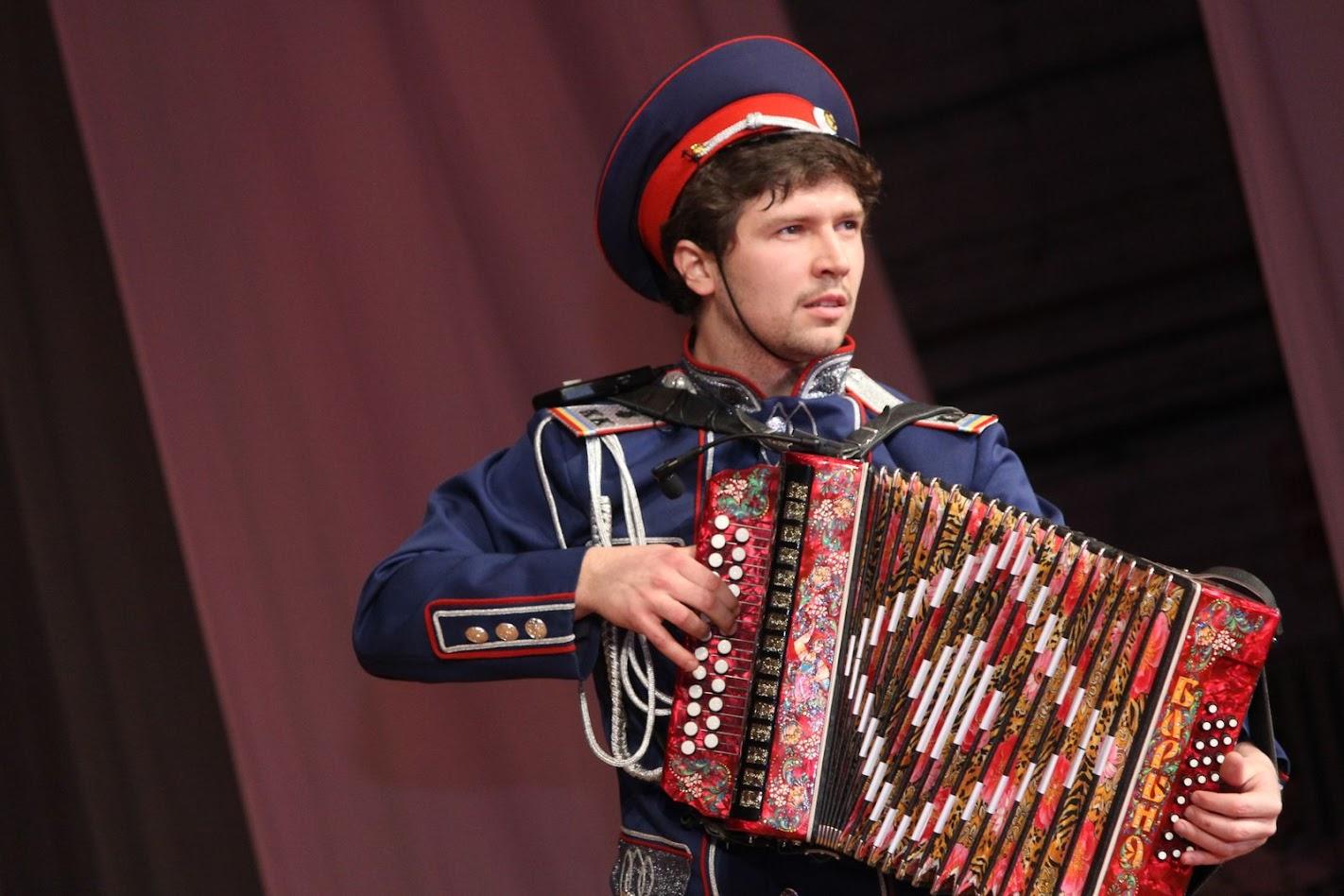 Поздравляем Евгения Анатольевича Воронина с назначением стипендии Правительства РФ для молодых деятелей культуры и искусства