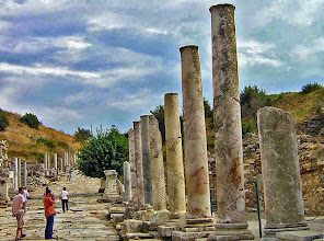 Photo: Ephesos, end of the main road