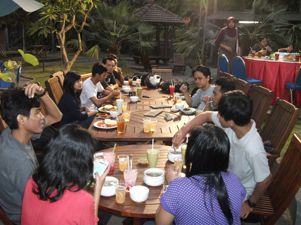 Food and beverage in Hallo Surabaya are delioso