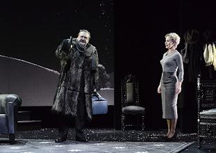 Photo: Wien/ Theater in der Josefstadt: DIE MAUSEFALLE von Agatha Christie, Inszenierung Folke Braband, Premiere 19.12.2013. Siegfried Walther, Aleksandra Krismer. Foto: Barbara Zeininger