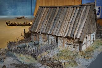 Photo: Vikingastaden Birka på Björkö. Adelsö socken, Ekerö kommun, Uppland. 20160830. Museet med modell av Birka. © Sven Olsson (e-post: kosmografiska@gmail.com)