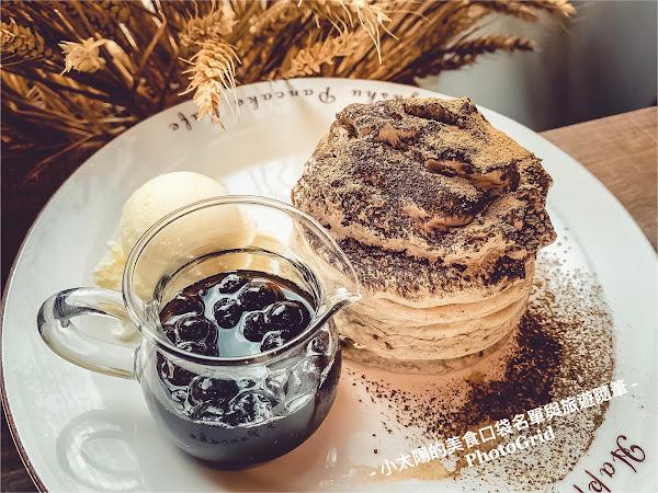 #早午餐選擇 #下午茶同款可選 九州鬆餅讓人印象深刻的,除了鬆軟的口感外,配合季節限定的口味與飲品,也是特色之一。 #春天限定櫻花系列 🌸#櫻花抹茶歐蕾 濃郁的抹茶香氣,完全不苦澀,搭配淡淡的櫻花香