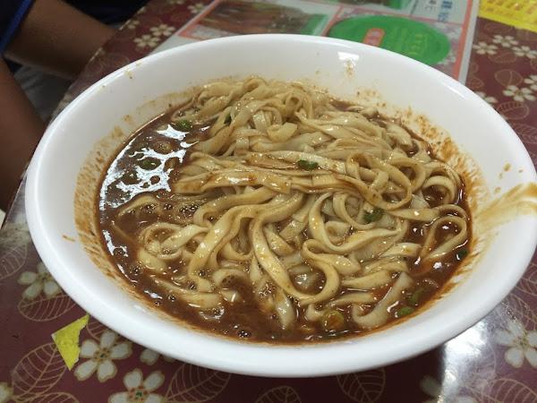 麻醬麵蛤蠣湯。頭城省道排隊美食