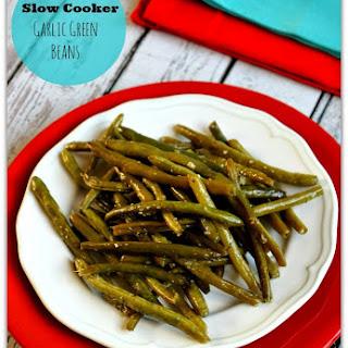 Recipe for Slow Cooker Fresh Garlic Green Beans.