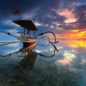 Two Side by I Komang Windu - Transportation Boats