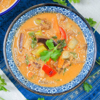 Vegetarian Thai red curry (from scratch)