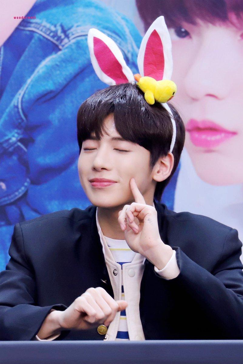 Txt S Taehyun Helping Huening Kai Makes Him The