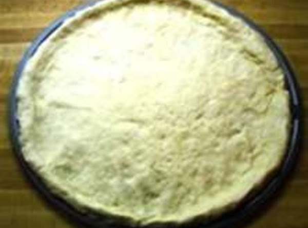 Prepping Pizza Pan:  Sprinkle evenly (optional), 1t cornmeal on greased round pizza baking sheet (vegetable...
