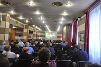 Photo: la sala convegni dell'Hotel Columbus