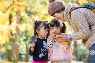 Photo: 「ホリプロ保育園×asobi基地 キッズフォトイベント ~銀杏並木散策編~」  土曜日は ホリプロ保育園さんとasobi基地さんとの コラボイベントへ参加させていただきました♪ 参加されたのは10組ほどの親子さんたち 秋めく公園の中で無邪気な子供達と過ごす時間は とても楽しく元気をもらえました☆ 予想も付かないような行動にでたり 表情も豊かでころころ変わったり そんな楽しいひとときを 少しでもお届けできたらと思います^^ たっぷり撮影してきたので今回は銀杏並木散策編として もう二編ほどの構成で紹介させていただこうと考えています。 よければお付き合いください♪  「asobi基地」 http://asobikichi.jp/  「イベントページ」 https://plus.google.com/u/0/events/clpvonkn38897v0b9cp0jtinc5o  #ホリプロ保育園 #kidsphoto +ホリプロ保育園 #100tokyo #tokyophoto #cooljapan (40枚追加:Added 40 photo)