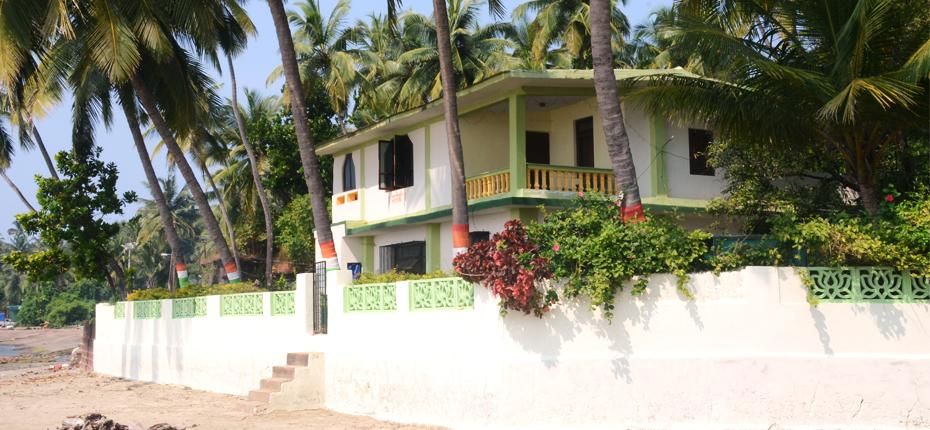 2) Coconut Cottage – Family Beach House.jpg