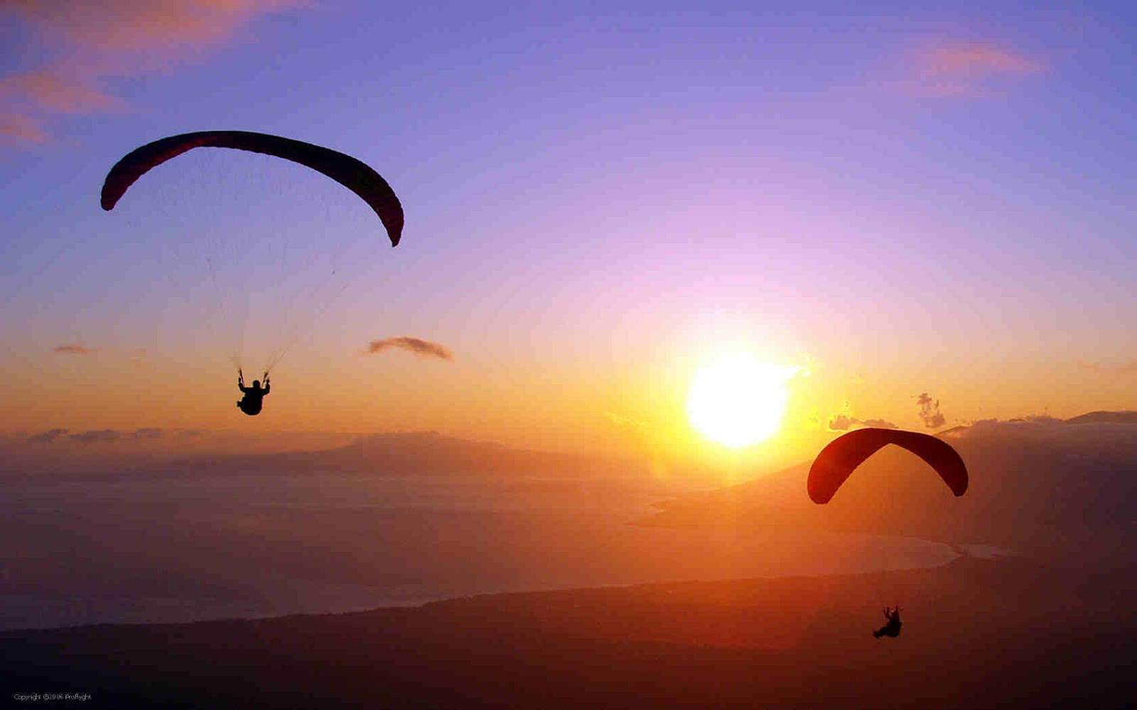 10 Jaw-Dropping Paragliding Spots in the World
