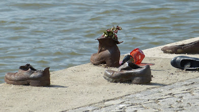 Photo: Shoes on the Danube Bank; Gyula Pauer