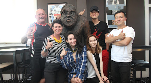 THUMBS UP TO THE YOWIE HUNT: Yowie guide Don Cunningham and Crossroads Hotel proprietor Narree McIntosh with the Crossroads Hotel yowie, Chinese superstar visitors and crew, back, celebrity actors Zhang Tong and front, Yu Mingjia with crew member Lara and tour member Kin Zhuo.