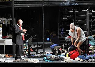 """Photo: WIEN/ BURGTHEATER; """"DANTONS TOD"""" von Georg Büchner. Inszenierung; Jan Bosse. Premiere 24. Oktober 2014. Ignaz Kirchner,  Joachim Meyerhoff. Foto: Barbara Zeininger"""